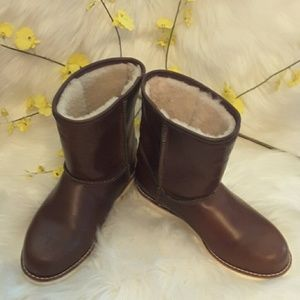 Ugg genuine leather with real fur inside